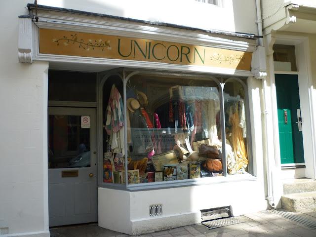 unicorn vintage oxford via lovebirds vintage