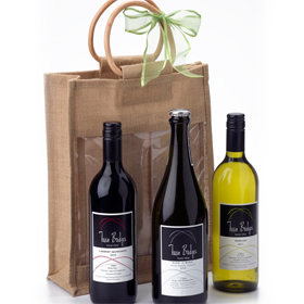 image twin beiges hunter valley wine in a jute bag