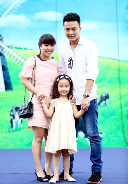 Sáng nay (1/8), gia đình Hồng Đăng tham gia sự kiện được tổ chức tại Sân vận động Quần Ngựa, Hà Nội.