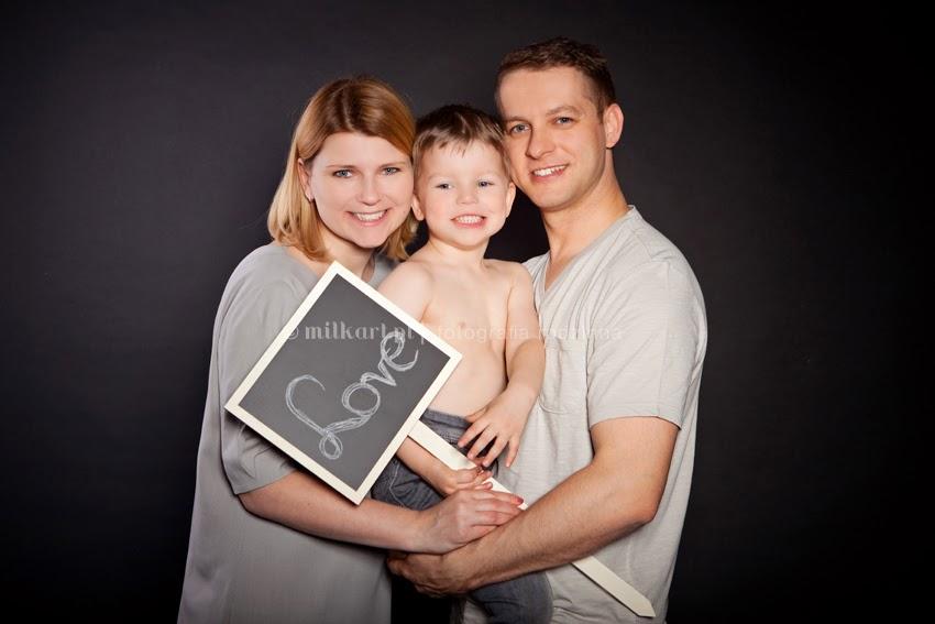 sesja zdjęciowa rodzinna, sesje fotograficzne dla rodzin, zdjęcia dzieci, fotograf niemowlęcy, milkart