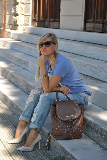 mariafelicia magno fashion blogger ragazze bionde color block by felym fashion blog italiani influencer italiane fashion blogger milano bracciale dorato laforketta bracciale a forma di forketta occhiali da sole italia independent zainetto fornarina blonde girl blonde hair italian fashion blogger italia independent sunglasses