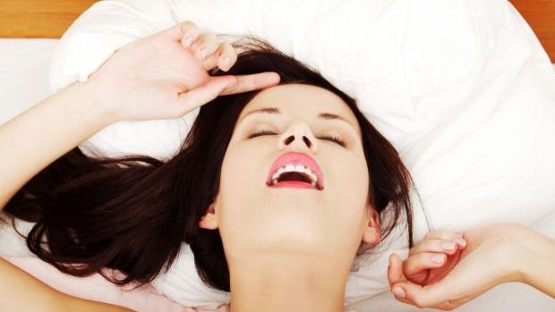 Berikut 8 hal yang dapat dilakukan oleh para pria untuk membantu wanita orgasme:
