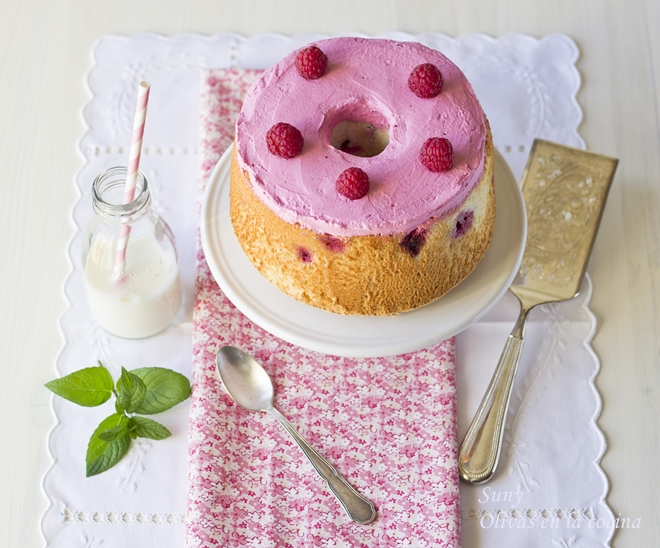 Raspberry Angel Food Cake - Bizcocho o Pastel de Angel con frambuesas