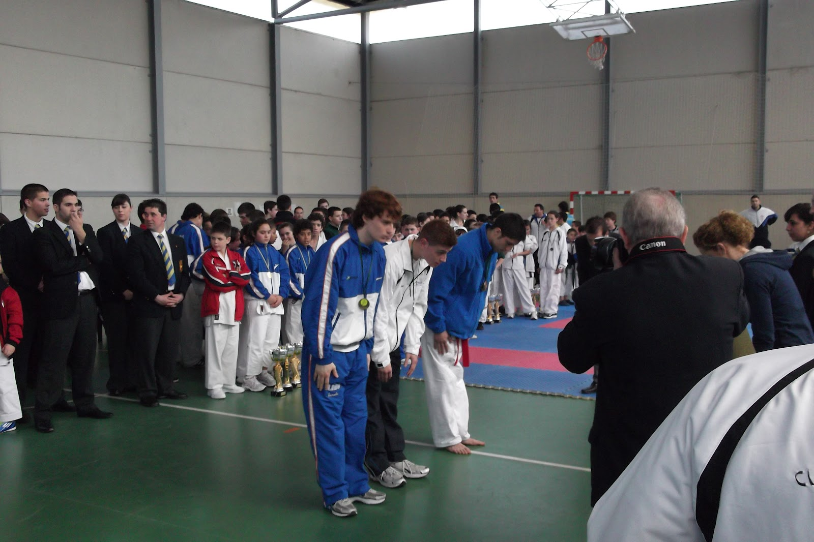Karate shito ryu asturias mis hijos borja y jos manuel for Gimnasio kanku