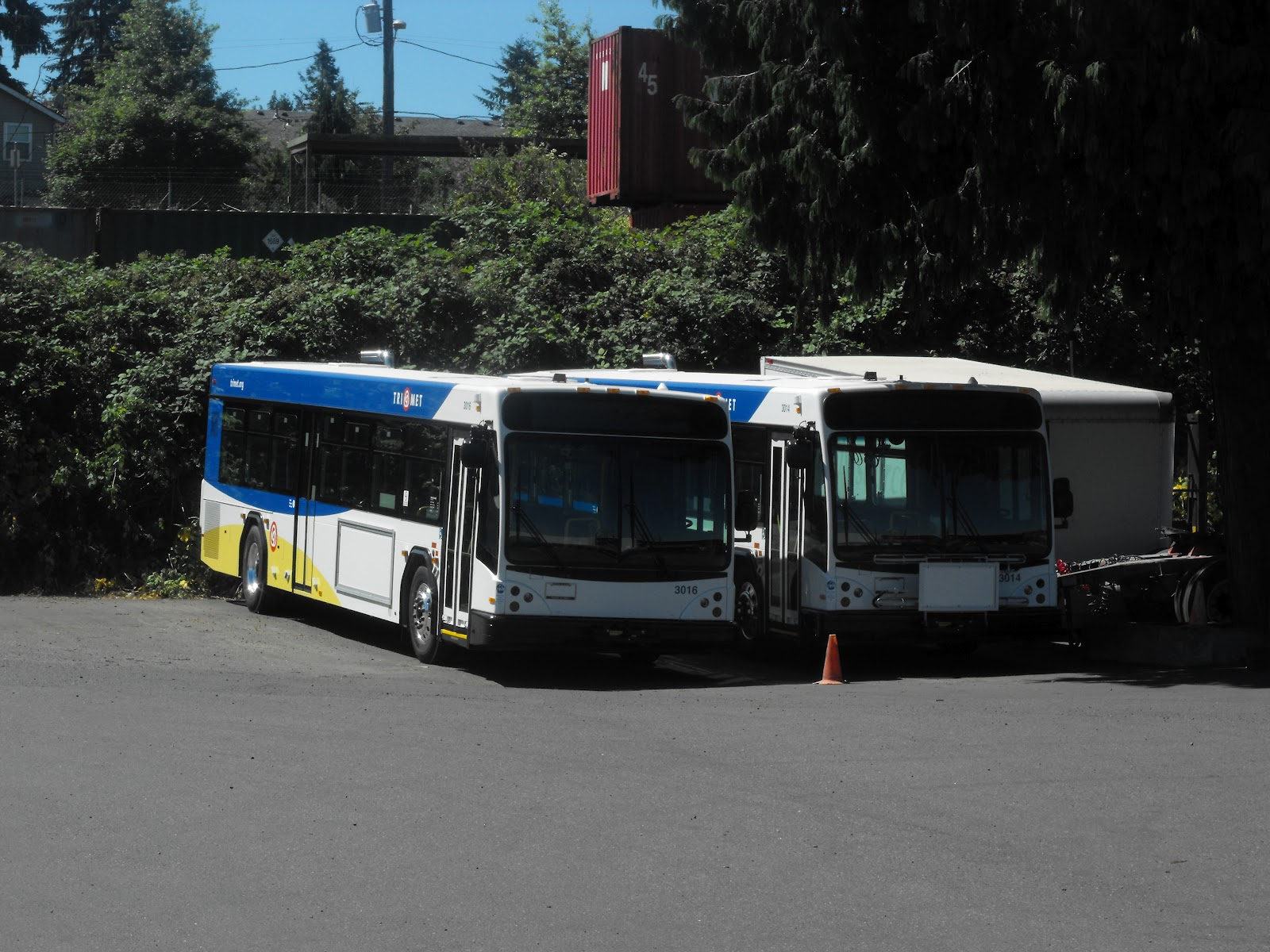 rantings of a former trimet bus driver: trimet's new 3000 series