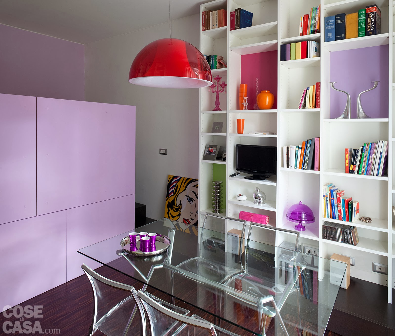 Fresh Living Room In A 40m2 Apartment: BRIGHT HOME: Modern Home With Lilac, Pink And Green Accents
