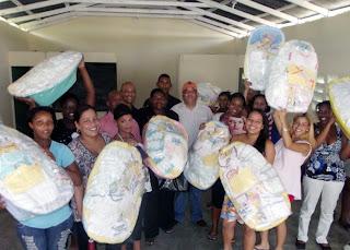 Sindico Rodolfo Valera entrega decenas de canastillas a embarazadas del Distrito Municipal San Luis