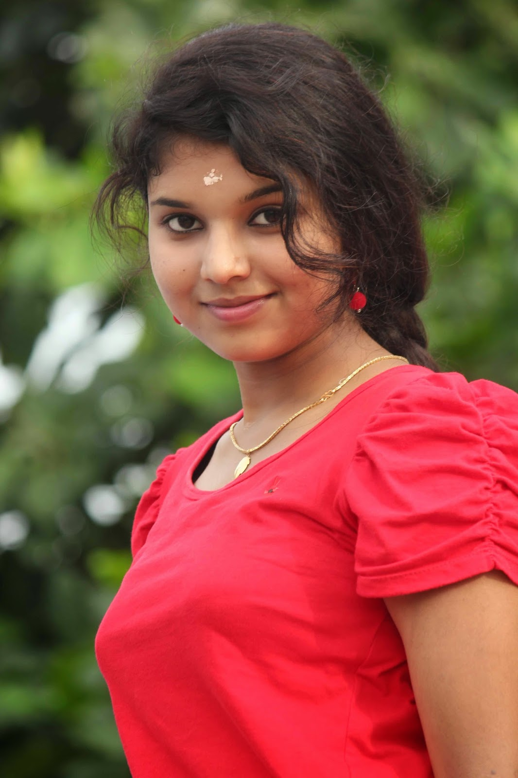 Ennamo Edho Tamil Movie Anu Krishna Latest Hot...