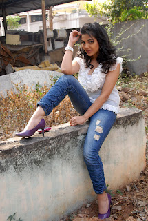 Upcoming Telugu Actress Priyanka Tiwari Latest Pictureshoot in Jeans