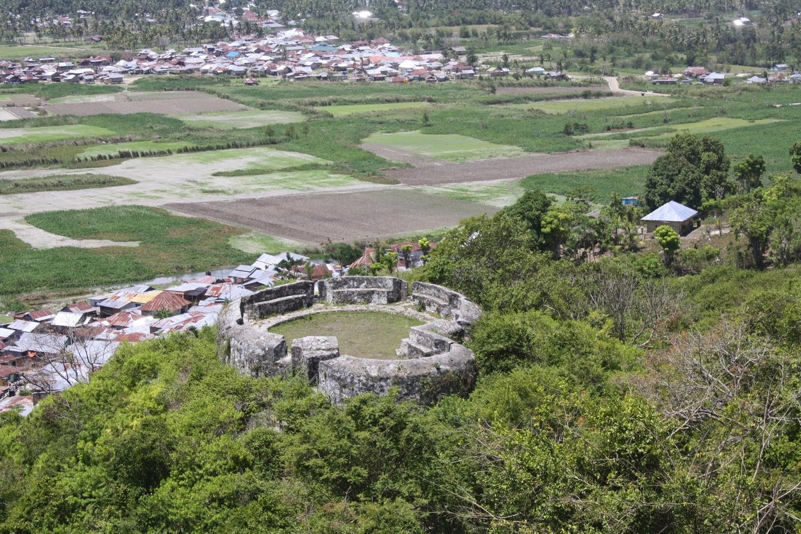 Wisata Sejarah Benteng Otanaha Gorontalo