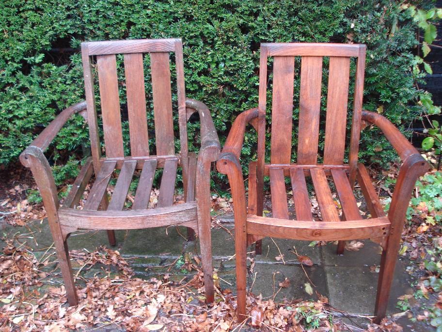Teak houten tuinmeubelen schoonmaken