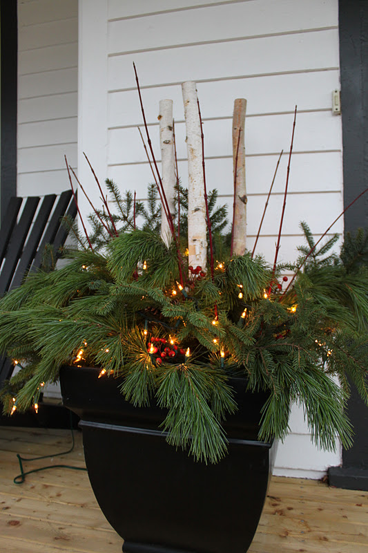 Decorating Ideas > Modern Jane Outdoor Pots + Weekend Tidbits ~ 101404_Christmas Decorating Ideas For Outdoor Pots