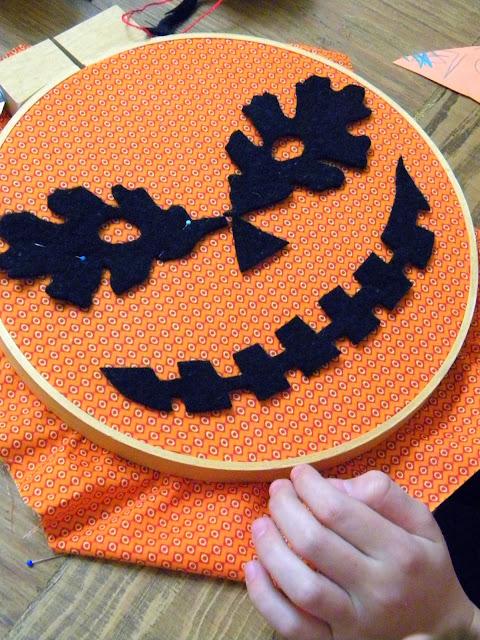 embroidery hoop jack-o-lantern