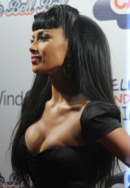 http://1.bp.blogspot.com/-8Ugqj5q1adc/TcHsq4jw_II/AAAAAAAAAQ4/MnvlRy_ZWEw/s1600/Nicole+Scherzinger+Sexy+Look.jpg