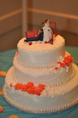 http://www.caketoppersoutlet.com/humorous-wedding-cake-topper-for-auto-mechanics-2/