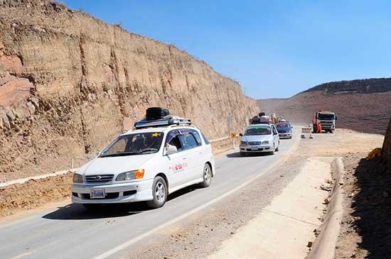 Transportistas en emergencia por mal estado de todas las rutas de Tarija