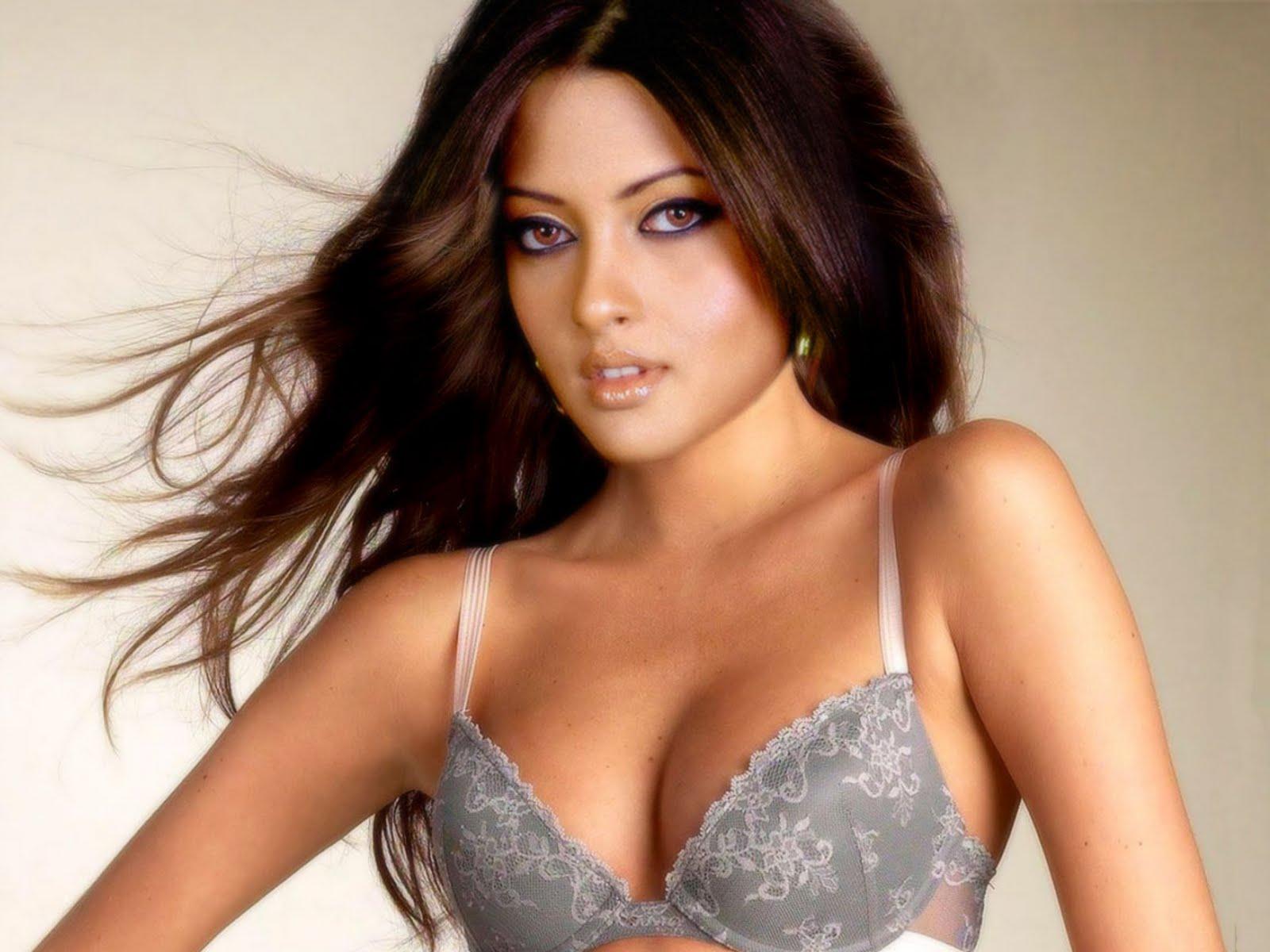 Celebrity News: Riya Sen,Riya Sen HD wallpapers,Unseen