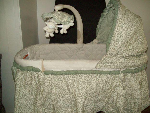 Bassinet And Changing Table3