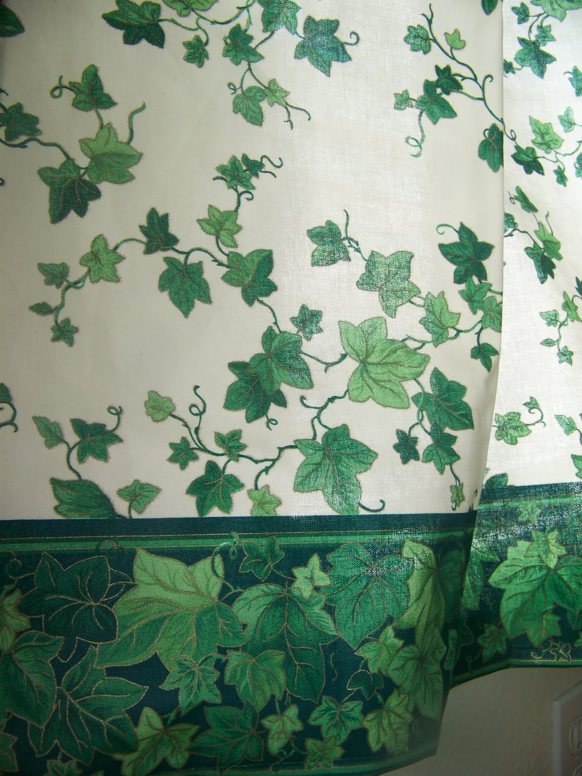 Chronicles Whimsy: Curtains - Kitchen Close-Up