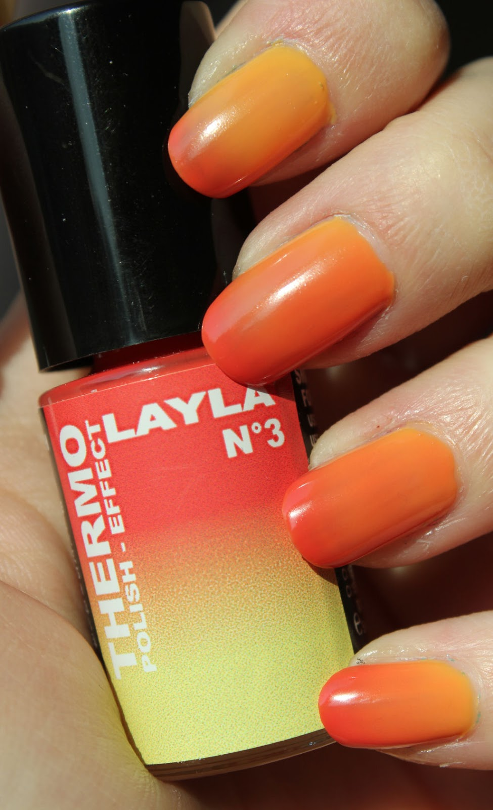 http://lacquediction.blogspot.de/2014/12/layla-thermo-polish-nr-3.html
