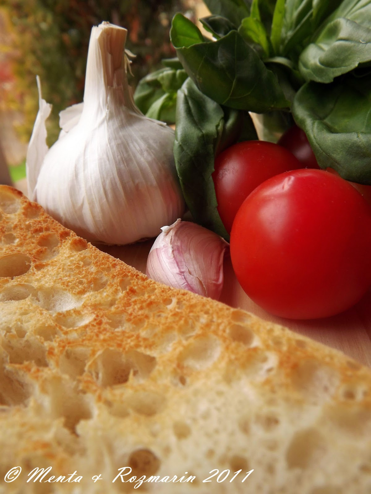 Taste of italia bruschete cu rosii masline kalamata si for Cu ci na roma