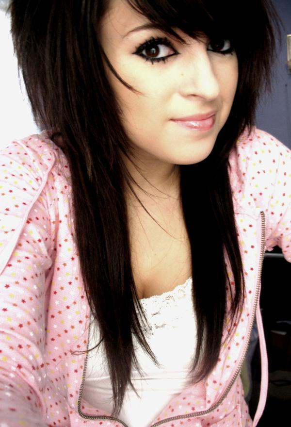 emo hairstyles for girls with medium hair and bangs. emo hairstyles for girls with