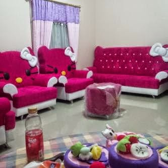 Decorating living room hello kitty theme home design for Room design hello kitty