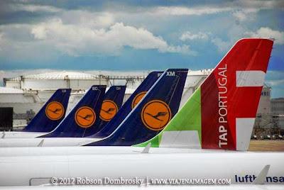 aeronaves tap e lufthansa no aeroporto de frankfut