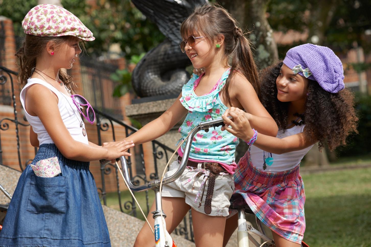 FASHION CREATOR TV: Llega la moda bohemia para las más pequeñas