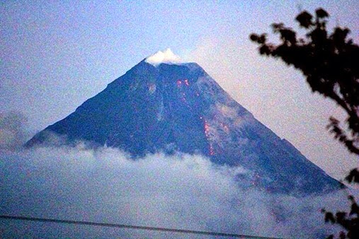 PhilVolcs Warns for Possible Eruption of Mt. Mayon the Perfect Cone Shape Volcano