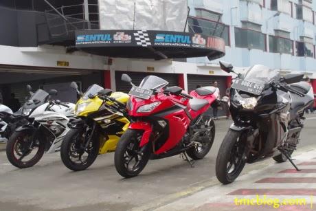 Foto: Perbedaan Ninja 150RR, 250RR Mono, 250R & Ninja 250FI