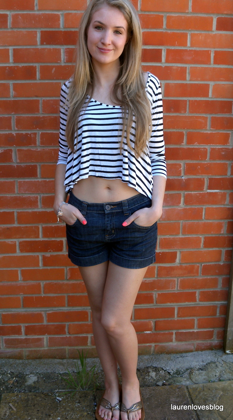 Outfit Post Crop Top and Denim Shorts | Lauren Loves Blog