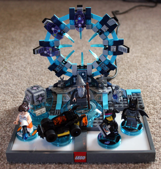 Lego Dimensions toy pad with minifigures | Random Nerdery