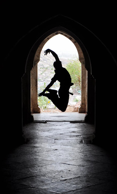 jumping man male boy india daulat mahal idar gujarat graffiti vikram tej nid  travel tourism