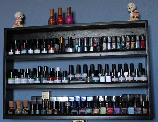 Beauty Pop Shop nail polish rack - Queen B