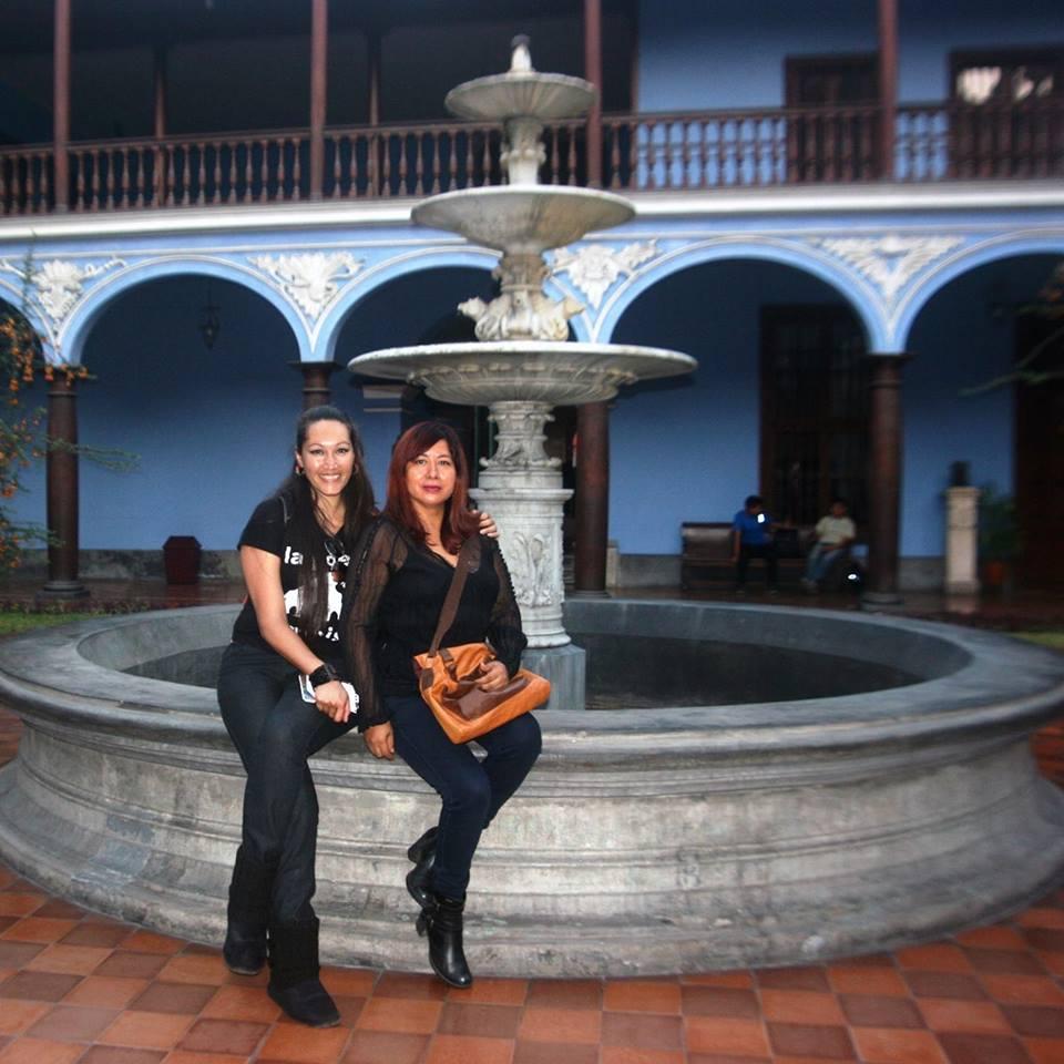 En Alma Mater, UNMSM,  con la poeta Ursula Alvarado
