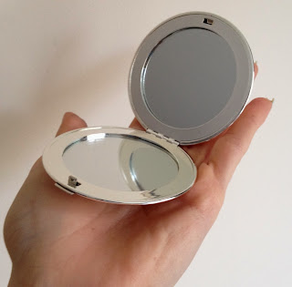 getting-personal-compact-mirror