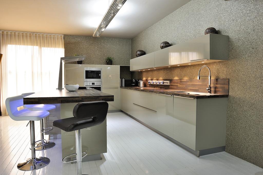 Cuisine schmidt studio brillant belle cuisine nous a for Cuisine lineaire 3 metres