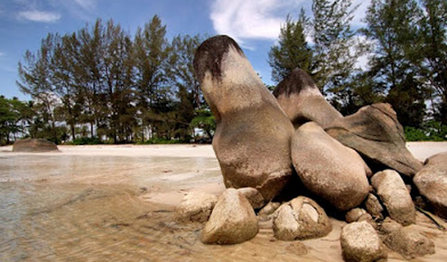 Pantai Romodong