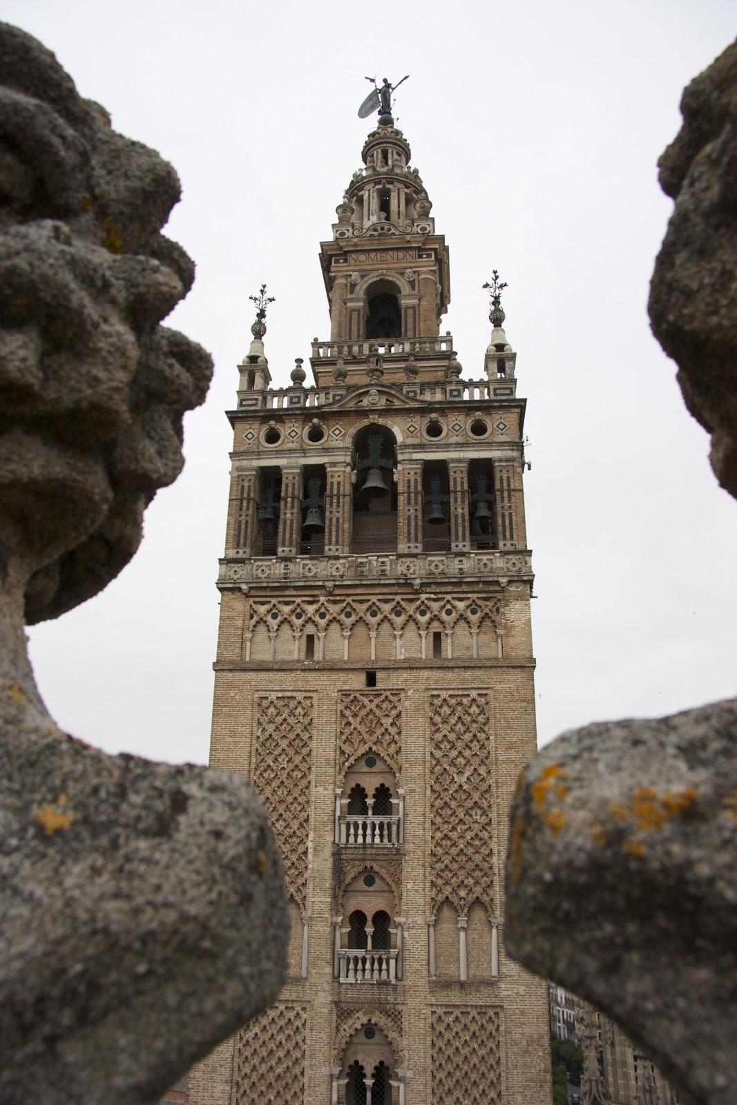 Un paseo por las cubiertas de la catedral de sevilla el for Exterior catedral de sevilla