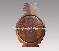 http://tokokerajinanjati.blogspot.com/2013/02/keranjang-buah-unik.html