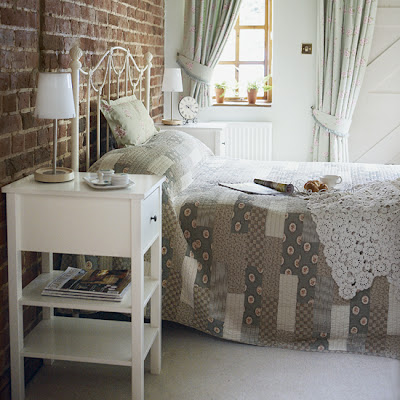 Exposed Brick And Plaster Walls For The Interior Design Of Your Bedroom , Home Interior Design Ideas , http://homeinteriordesignideas1.blogspot.com/