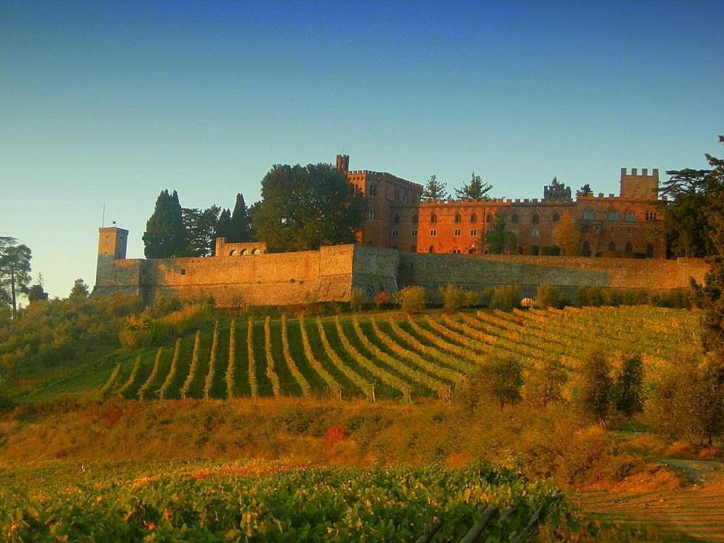 Top world travel destinations toscana italy for Toscana house