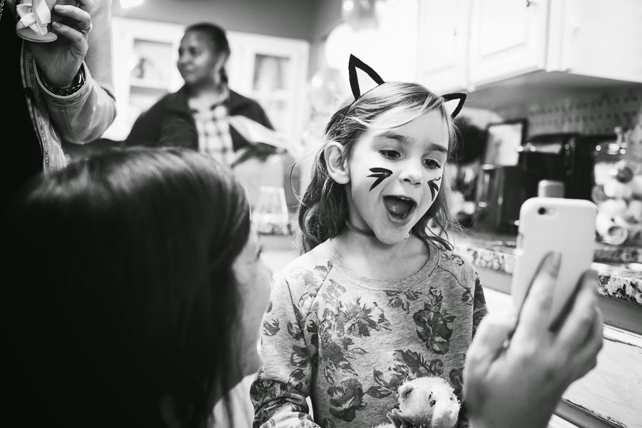 birthday party, birthday photography, birthday, bedford texas, bedford, refreshingly chic, kitty face painting, kitty party, storytelling photography, candid photo
