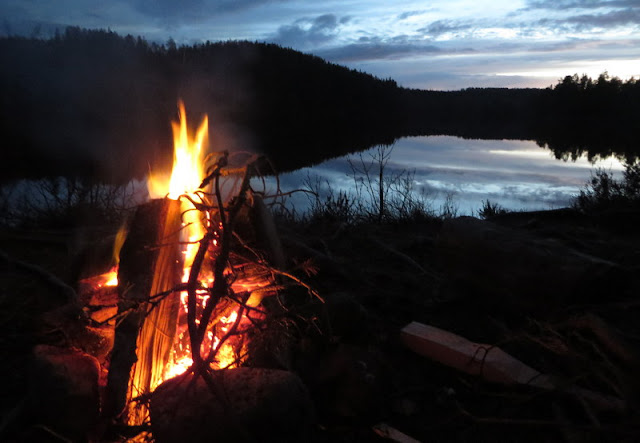 Lägereld vid Rännarsjön