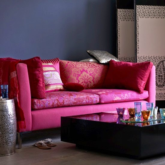 Celebrity Homes: Let\'s explore cute Pink living room Decor ideas
