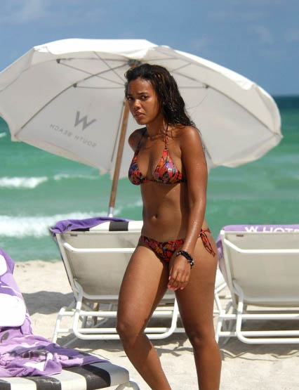 angela simmons bikini. Actress in ikini-2