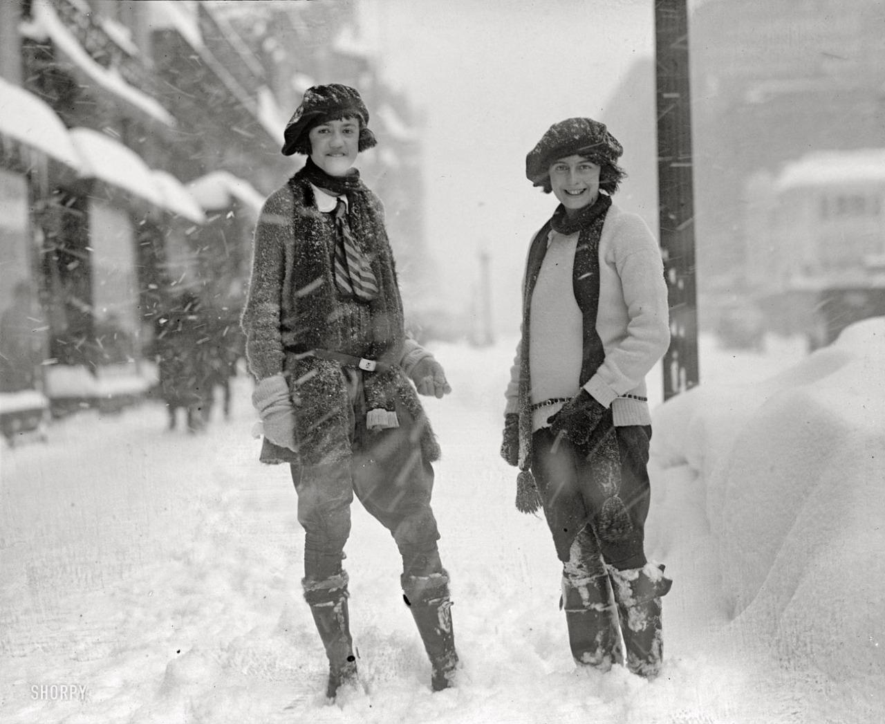 36 Vintage Photos Show A Unique And Elegant Style Of 1920s