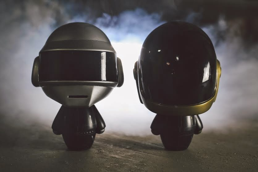 "San Diego Comic-Con 2014 Exclusive ""Robots"" Daft Punk Vinyl Figures by Kidokyo"