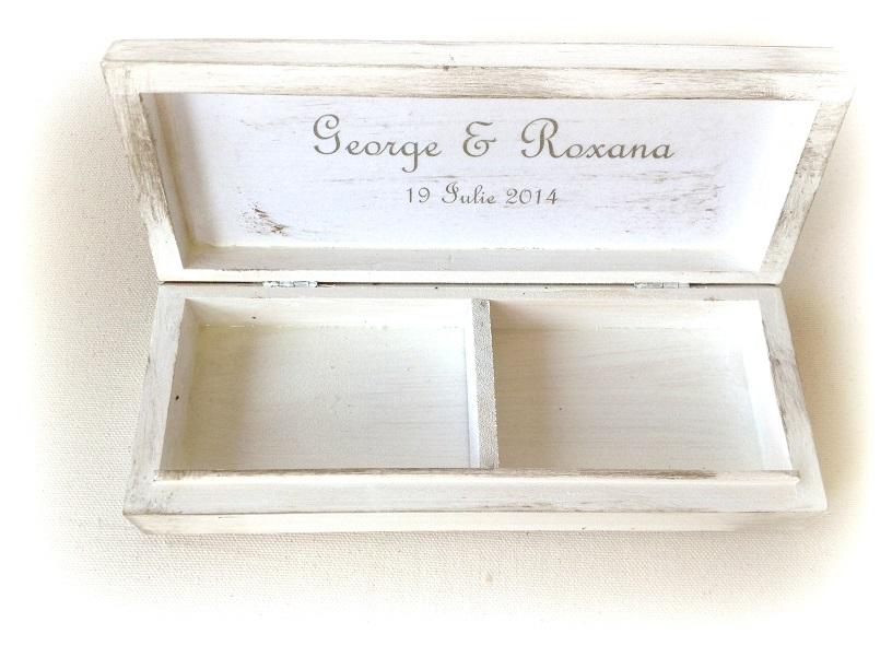 http://le-cose-animate.blogspot.ro/2014/07/love-story-ring-box-cutie-pentru.html